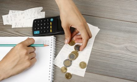 10 Expenses to Cut From Your Budget This Year